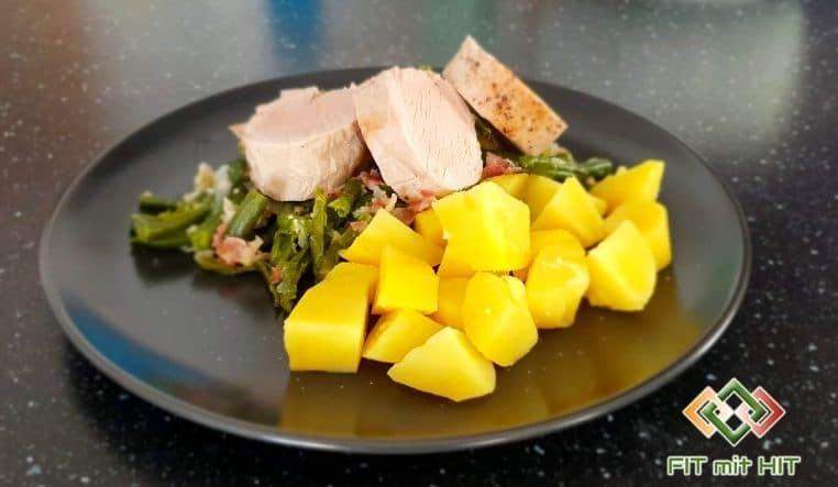 Schweinefilet mit Speckfisolen und Kartoffeln