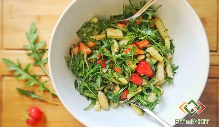 Frühlingssalat mit Spargel & Erdbeeren